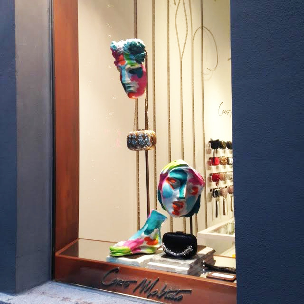 LUNDLUND : Corto Moltedo window display